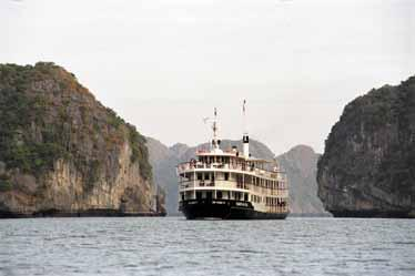 Be transported back to the old times, charms & luxury of Indochina s Emeraude Cruise, with all the home comforts & personal service you could possible wish for.