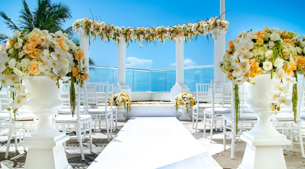ROMANCE WEDDINGS & HONEYMOONS STUNNING