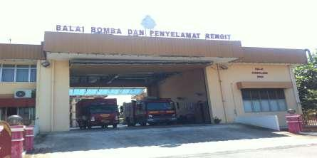 In case of medical emergencies, villagers have to travel to nearby towns such as Batu Pahat and Pontian.