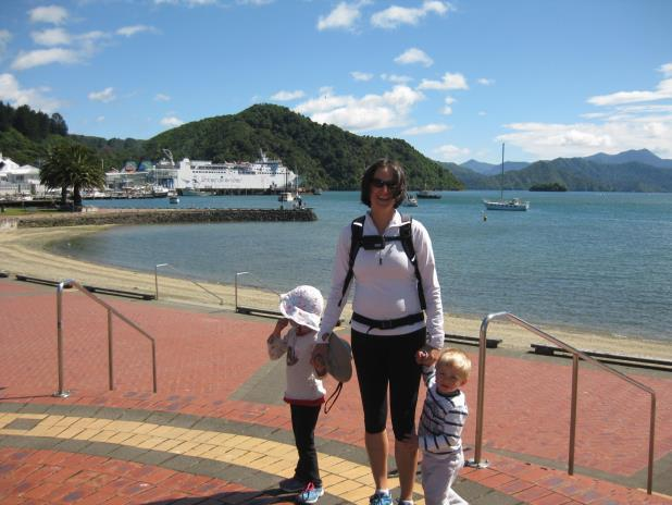 of New Zealand (Picton-Wellington), observed a few