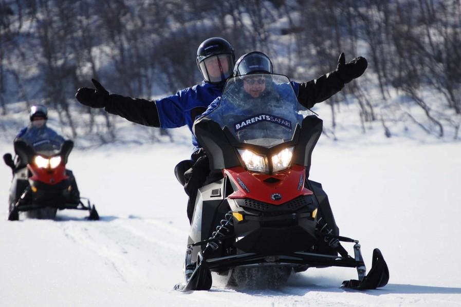 Driving tour by snowmobile (2 person per snowmobile). During the trip we will have several stops to be able to watch the northern lights.