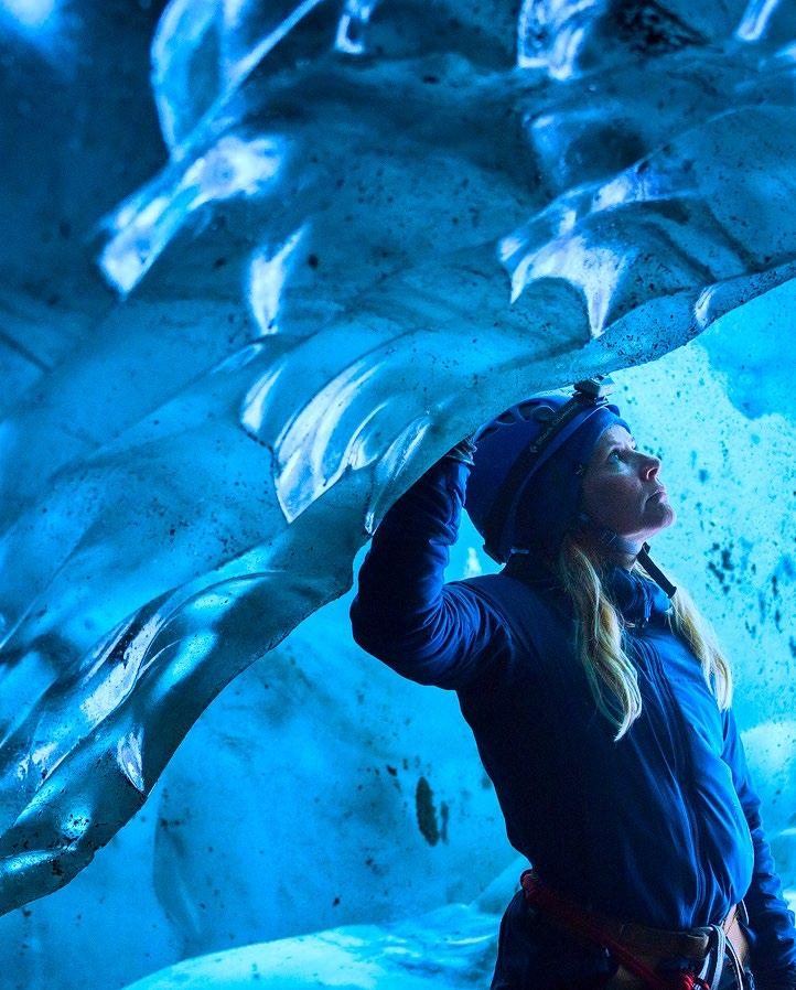 Join this adventure tour where you will experience all the other-worldly features of a glacier; you will hike up a glacier tongue of Vatnajökull,