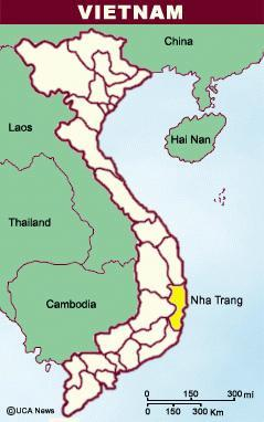 Study site Nha Trang Bay MPA established in 2001 9 islands Area: