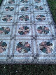 Kindly donated by Lancome, Goulds Dorchester 18 new handmade quilt One beautifully handmade Dresden plate quilt of 18 panels measuring in total approx.