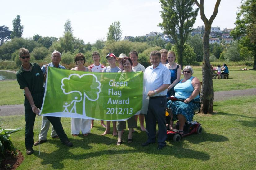 Green Flag News For the 3rd year running Young s Park in Paignton has been awarded the prestigious Green Flag Award by the Keep Britain Tidy Organisation.