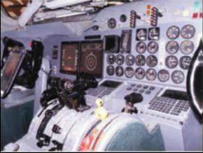 The developed flightdeck retrofit package was developed in collaboration with AMETEK (USA) and Universal Avionics (USA), whereas the former provided a dual channel engine