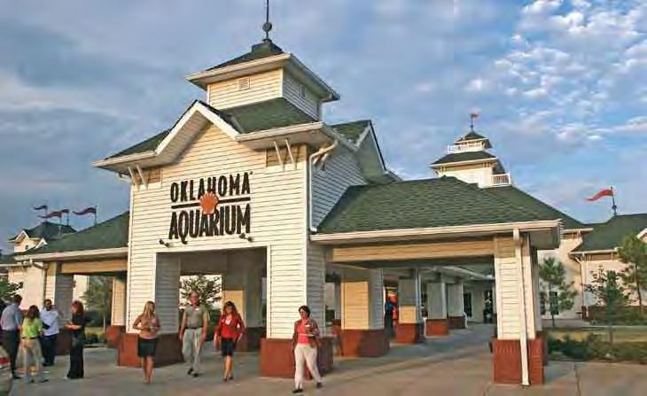 Play in Tulsa Other Attractions With its rolling green hills, sprawling lakes filled with game fish, and tranquil rivers meandering through gorgeous countryside, northeast Oklahoma offers amazing